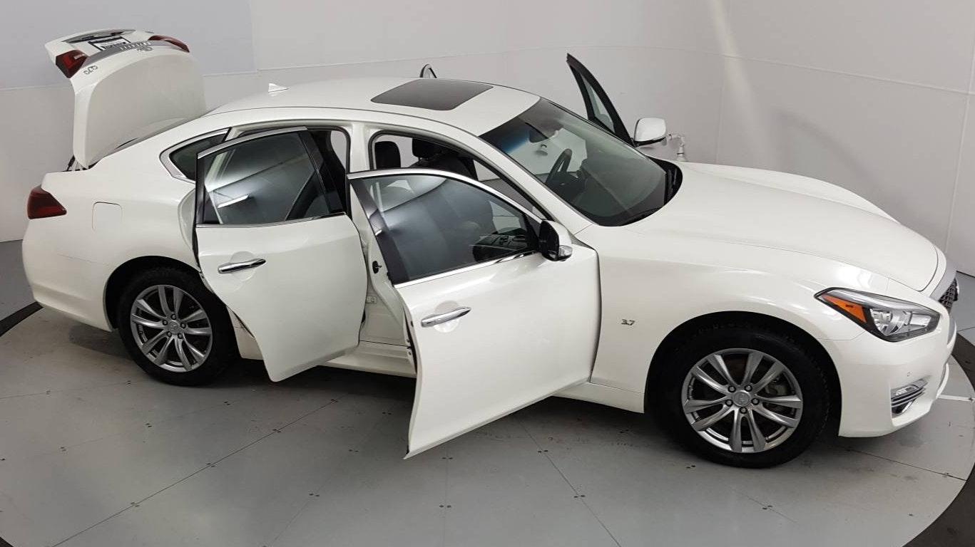 2019 INFINITI Q70 4dr Car