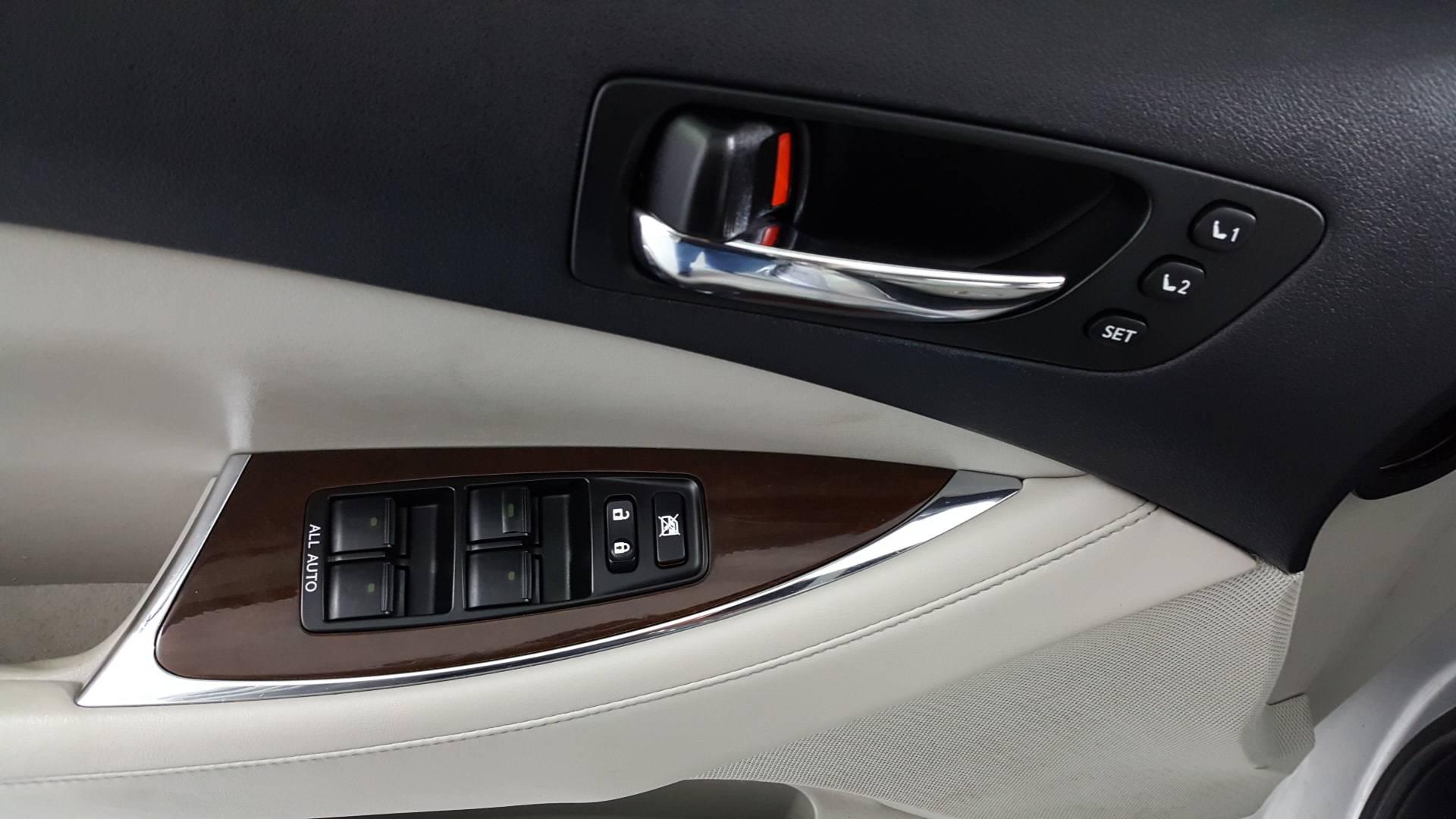 2012 Lexus ES 4dr Car
